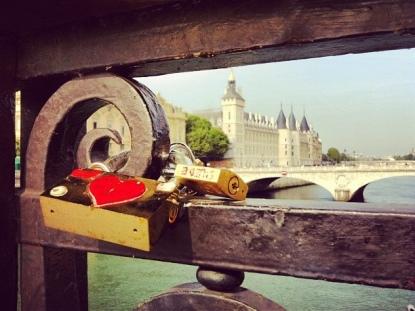 #paris #france #francia #verano #vacaciones #été #recuerdos #souvenirs #ciel #cielo #sky #sena #seine