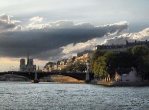 #paris #notredame #france #francia #sena #seine #ciel #cielo #sky #nuages #nubes #clouds